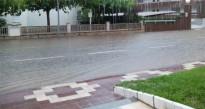 S'inunda l'avinguda Diputació a causa de l'episodi de pluges