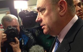 Salmond anuncia la dimissió