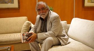 Villatoro: «Monago ha de llegir el llibre si creu que hem d'anar al psiquiatre»