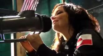 Björk: «Escòcia, declara la independència»