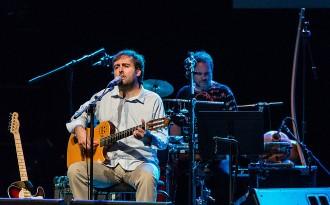 Vés a: Apunta't a SócNació per gaudir del concert de Roger Mas a l'Acústica i d'una nit d'hotel