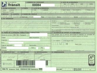Vés a: Sancionat amb 200€ per dur el CAT a la matrícula a Esplugues de Llobregat