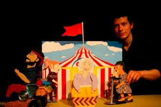 'A Babel amb patinet' inaugura el 9è cicle de teatre familiar a les Franqueses del Vallès