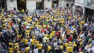 Unes 1.500 persones omplen la plaça del Blat de Valls pel 9-N