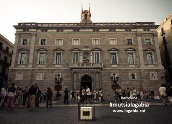 Catalunya s'omple d'urnes engabiades