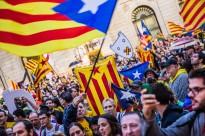 Fotos: Milers de catalans clamen contra la sentència del TC