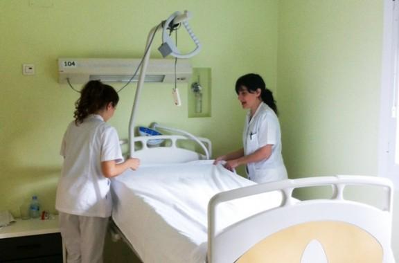Estudiants de Grau d'infermeria i Auxiliars d'infermeria es formen al Centre Sanitari