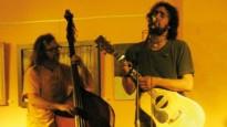 El cantautor folk Bitxe amenitzarà aquest dissabte els vermuts musicals