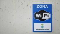 Alcover instal·la un nou punt wifi a la zona esportiva del municipi
