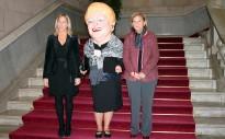 Núria de Gispert rep la Grossa al Parlament