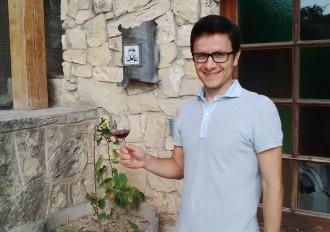 Vés a: Un manresà vol tornar a arrelar el vi novell a Catalunya