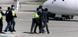 Vés a: Aturen judicialment l'expulsió exprés d'un jove senegalès de Tarragona