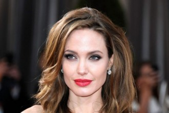 Angelina Jolie es retira com actriu [PER QUÈ?]