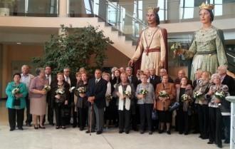 L'Ajuntament rep a les parelles que celebren els 50 anys de matrimoni