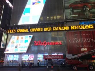 La querella contra Mas arriba a Times Square de Nova York
