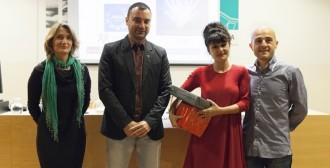 Julia Navas guanya el Concurs de relats curts contra la violència masclista