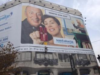 Vés a: Es penja a la façana de la Pedrera amb una pancarta comparant l'avortament i el nazisme