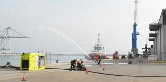 El Port de Tarragona fa un simulacre d'incendi al moll de Cantàbria