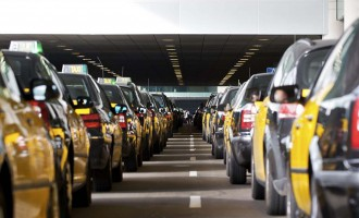 Els taxistes de Barcelona cobraran un euro per cada maleta l'any vinent