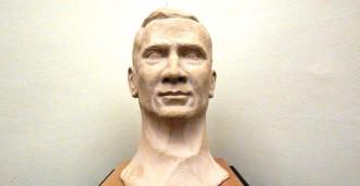 Vés a: El bust del rei Felip ja presideix la sala de plens de l'Ajuntament de Terrassa
