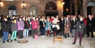 L'Orfeó Nova Solsona celebra Santa Cecília cantant a la Plaça Major