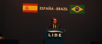 Vés a: Aznar demana a Barcelona mà dura de l'Estat per aturar el procés