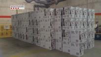 Roben 2.484 ampolles de licor d'un camió i inicien una persecució amb els Mossos