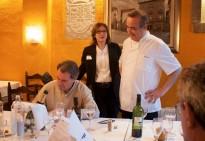 Artur Mas desconnecta de la política dinant a Rupit amb amics