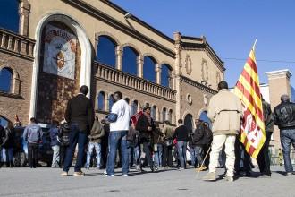 Vídeo: manifestació a Casa Tarradellas en defensa de 80 llocs de treball