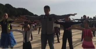 Vés a: El «flashmob» d'Alta Alella per La Marató de TV3