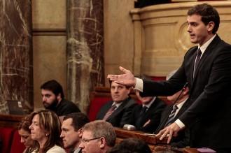 Mas titlla Rivera de ser un «actor que va fer el xou al Parlament»