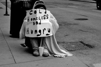 Vés a: Una noia recapta 40.000 euros per a un indigent que la va ajudar a tornar a casa