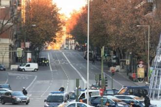 Vés a: Un cotxe amb dues bombones de butà es llança contra la seu del PP a Madrid