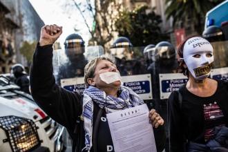 Protesta contra la «llei mordassa»