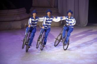 El Gran Circ de Nadal de Girona sobre gel atrau més de 17.000 espectadors