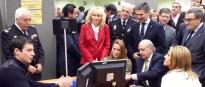 Vés a: La policia espanyola suspèn  l'expedició del DNI als ajuntaments per «seguretat»