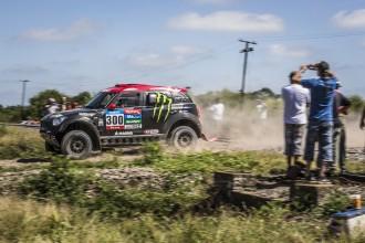 Nani Roma remunta posicions en la segona etapa del Dakar