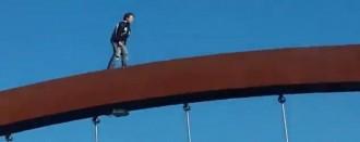 Vés a: Identificat el nen que va creuar la passarel·la de la N-II a Lleida