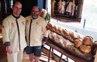 Un pa gegant per a calçotades