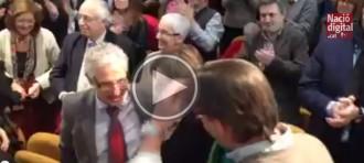 Vés a: Vídeo: Santi Vidal és aclamat a la presentació de la Constitució catalana