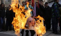 Vés a: Cremen a Terrassa un ninot del ministre Wert