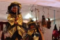 Bruixes i comerciants en una fira medieval impulsada pel teatre