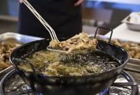 Vés a: Amposta cuinarà 14.000 degustacions de 14 plats a la Festa de la Carxofa