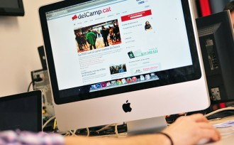 Vés a: delCamp.cat rep el premi a «millor publicació de l'any»
