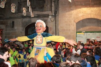 Crida de la Colla Gegantera del Carnaval a participar en l'Homenatge al Manelet Casserras