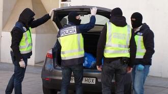 Detinguts quatre homes per explotar sexualment una dona a Cunit