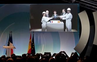 Rajoy i Valls inauguren la interconnexió elèctrica a través de la MAT