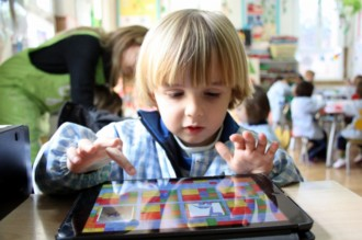 Codis de colors i un hort intel·ligent, els projectes innovadors a l'aula