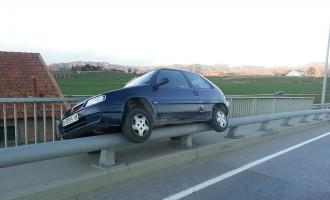 Accident estrany al pont de Manlleu