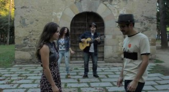 Mr. &  Mrs. Jones presenten el videoclip de 'Ni quinze dies'